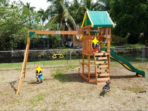 Playground/swing set for Sale in Miami, FL