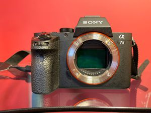 Used Sony Alpha a7ii mirrorless digital camera for Sale in Los Angeles, CA