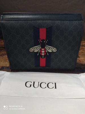 Gucci Bee logo imprinted men's/Women's clutch bag for Sale in DeKalb, IL