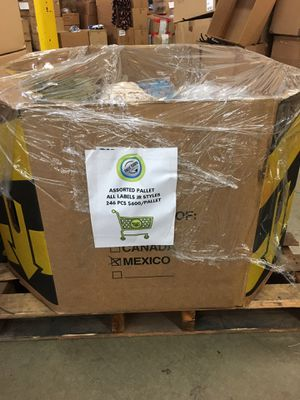 Assorted Jr Clothing Pallet 246 pcs for Sale in City of Industry, CA