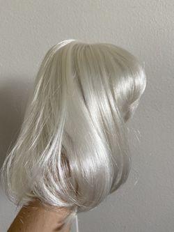 Platinum blonde short wig with bangs for Sale in Burlington,  VT