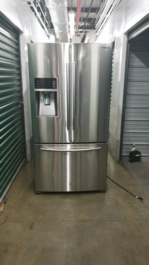 Ice and water refrigerator open box 36 inch stainless still for Sale in New York, NY