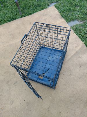 Dog crate small for Sale in Columbus, OH