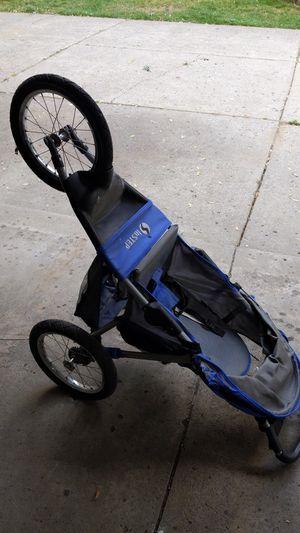 Jogging stroller for Sale in Farmington Hills, MI