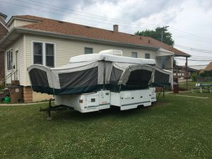 Coleman Camper - Easy Set Up! for Sale in Phoenix, IL