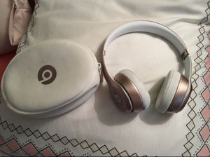 Beats solo 2 wireless for Sale in Miami, FL
