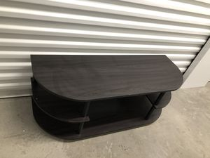 Small Tv stand 42x16 H 16 for Sale in Las Vegas, NV