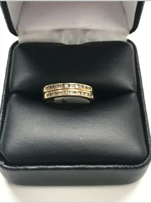 (Poetrydelivery 📮& treasures) Beautifull 14K Yellow Gold w/ beautifull natural diamonds wedding band ring. for Sale in Redlands, CA
