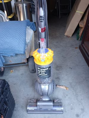 Dyson vaccum for Sale in Vernon, CA