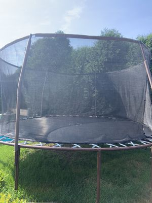 14 Ft Trampoline for Sale in New Albany, OH
