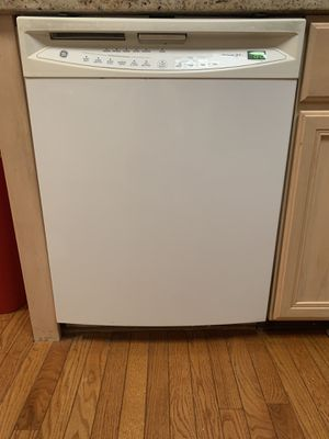 Stove . Microwave, dishwasher, and refrigerator for Sale in Trappe, PA
