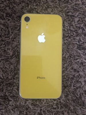 iphone xr ( with cases ) for Sale in El Paso, TX