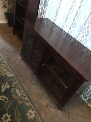 Nice wood tv stand for Sale in Goodyear, AZ