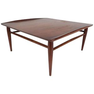 Mid Century Modern Bassett Walnut Coffee Table for Sale in Boynton Beach, FL