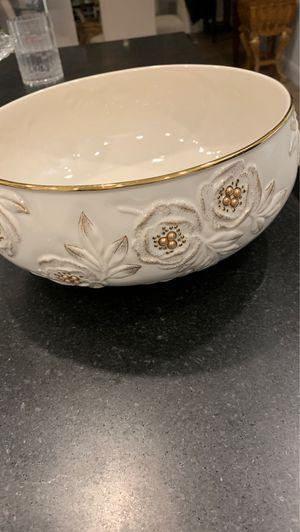 Lenox Golden Roses bowl in original box for Sale in Fresno, CA
