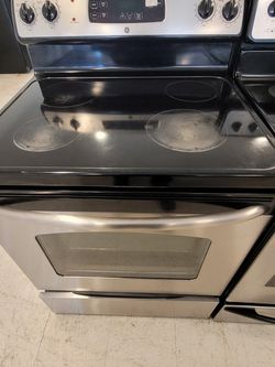 Ge Electric Stove Used In Good Condition With 90day's Warranty for Sale in Hyattsville,  MD