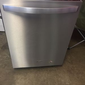 """New Whirlpool Dishwasher 24"""" Wide for Sale in Long Beach, CA"""