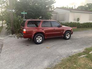 2002 Toyota 4Runner sr5 for Sale in Hollywood, FL