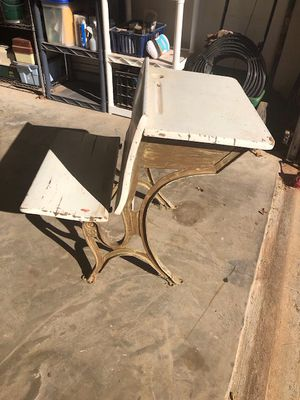 ANTIQUE SCHOOL DESK with FOLDING FRONT SEAT circa early 1900s for Sale in Lubbock, TX