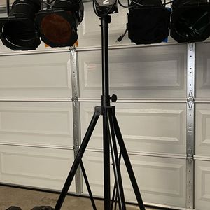 Dm-2400 Lights Set With Stand for Sale in Fremont, CA