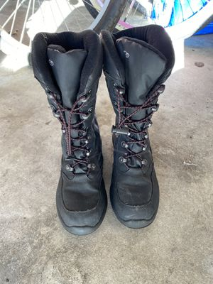 Snow boots - women's size 8 - excellent condition for Sale in Huntington Beach, CA