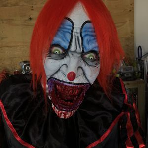 2 In 1 Slicing Neck Clown. lifesize Halloween Prop. for Sale in Clermont, FL