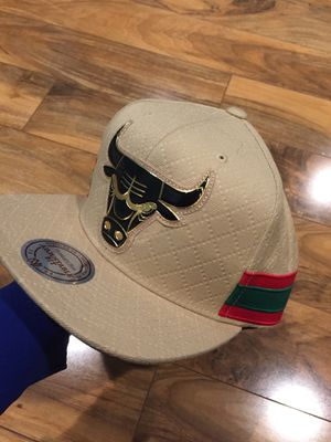 b93c2f4271bac Gucci Bulls SnapBack Hat for Sale in Downers Grove