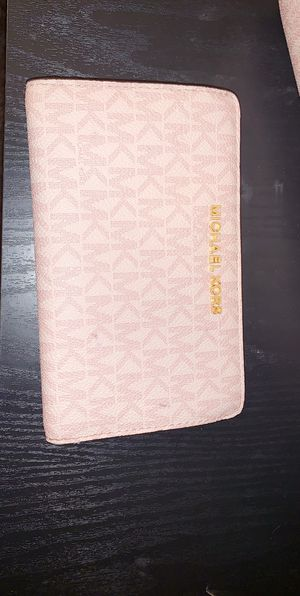 Small Pink MK Wallet for Sale in Akron, OH