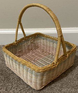 VINTAGE COLORFUL WICKER BASKET WITH HANDLE HOME DECOR ACCENT for Sale in Chapel Hill, NC