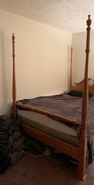Queen Size Wooden Bed Frame for Sale in Wheeling, WV