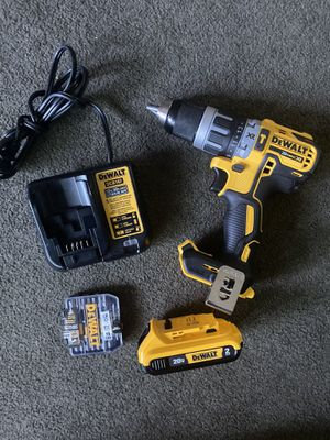 Dewalt XR hammer drill driver with battery and charger for Sale in Ontario, CA