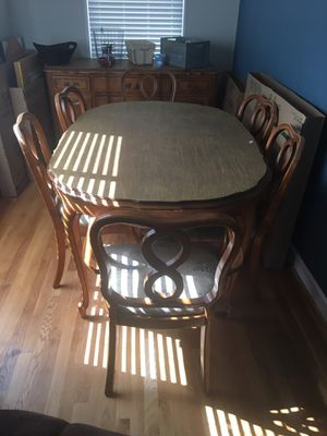 Maple Dining Room Table with 2 Leafs and 6 Chairs for Sale in Alexandria, VA