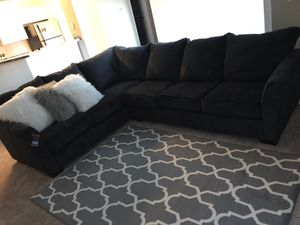Navy blue sectional couch for Sale in Lawrenceville, GA