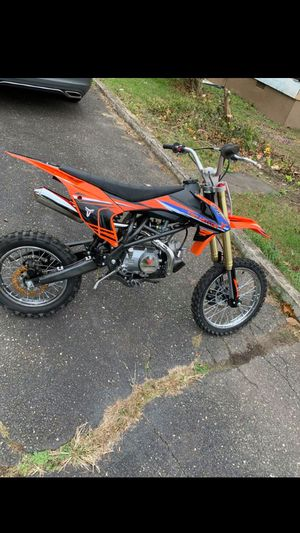 Early Christmas gift!!! Gas dirt bike for Sale in Rolling Hills, CA