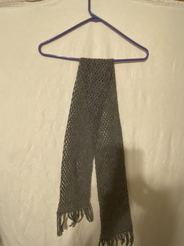 Vintage Handmade Gray Woolen Scarf
