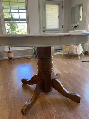 Wood dining table for Sale in Richmond, TX
