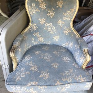 French Chair, Gilt Finish, Beauty for Sale in Danville, CA