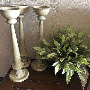 Holder's Candles And Vase for Sale in Bakersfield, CA