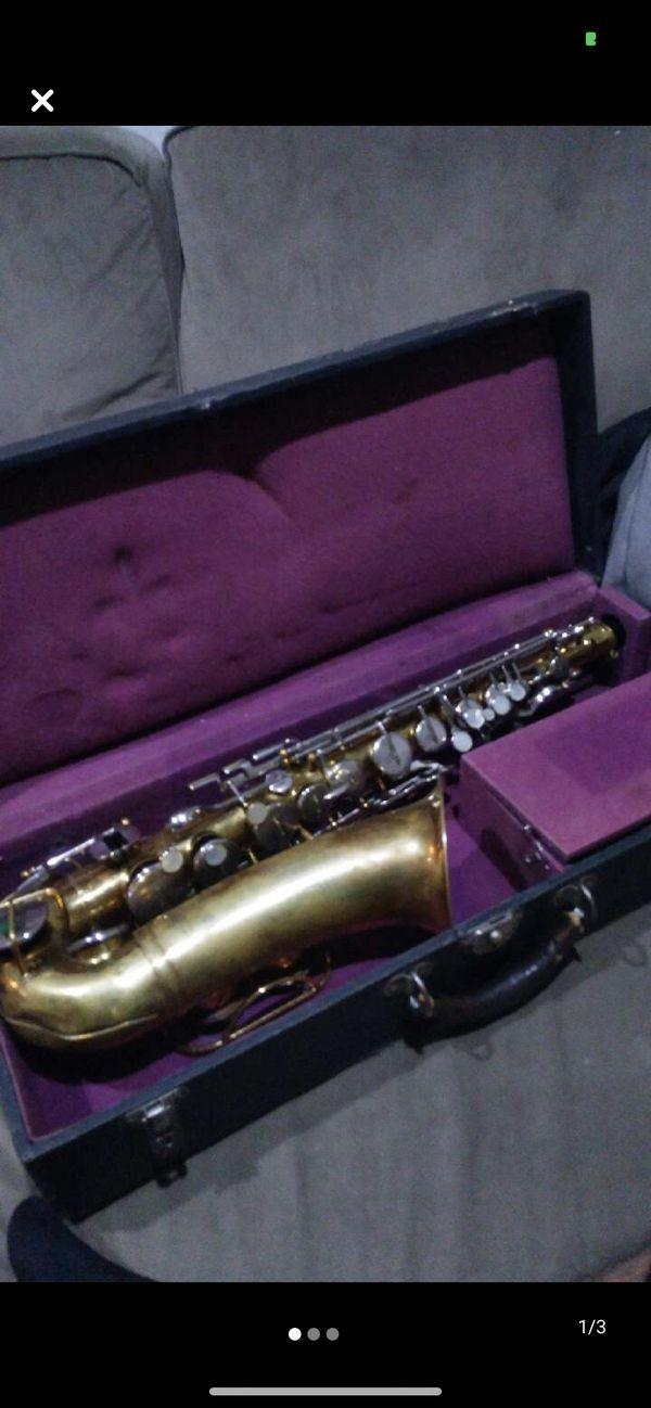 Saxophone Bundy