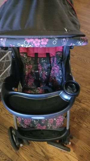 Graco stroller with car seat for Sale in St. Louis, MO