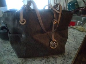 Michael Kors Designer Handbag for Sale in Roman Forest, TX