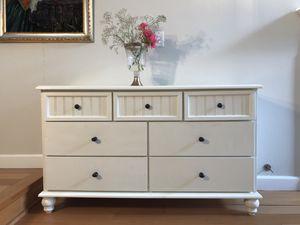 White Vintage Dresser for Sale in San Ramon, CA