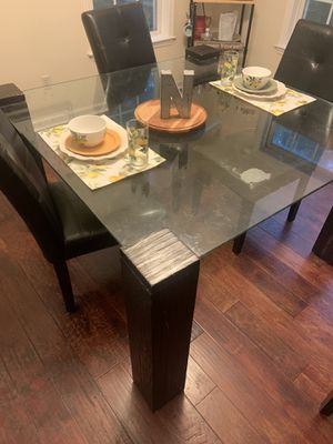 Dining table for Sale in Hilton Head Island, SC