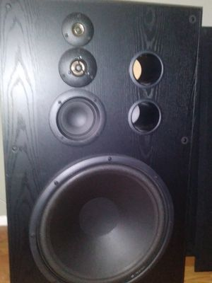 Klh studo. Monitors with polk audio bass speaker for Sale in Largo, FL