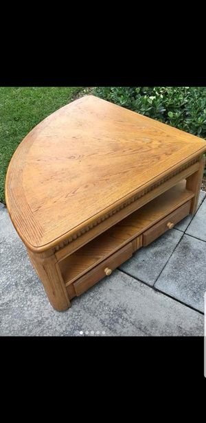 Real wood coffee table and end table for Sale in Fort Lauderdale, FL