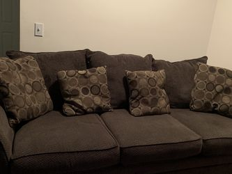 Couch And Love Seat MUST GO! for Sale in West Bloomfield Township,  MI