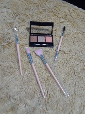 Makeup Brushes set 12 pcs for Sale in Long Beach, CA