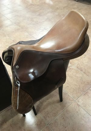 R. Pessoa saddle beautiful condition for Sale in VLG WELLINGTN, FL