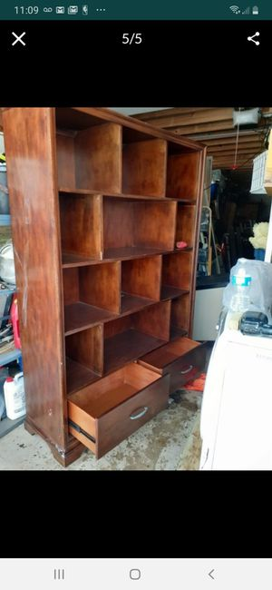 Dining/Hutch Cabinet for Sale in Wayne, IL