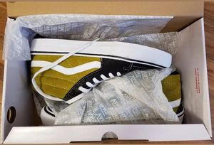 Supreme Vans Sk8 mid crocodile corduroi shoes size 12 for Sale in Las Vegas, NV